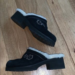 UGG slovang embroidered black suede clogs